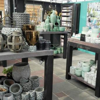 Bekijk onze mooie collectie woondecoratie artikelen van PTMD style store.